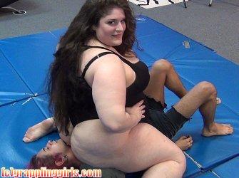 nude-headscissor-girl